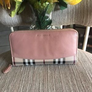 Butberry zippy long wallet
